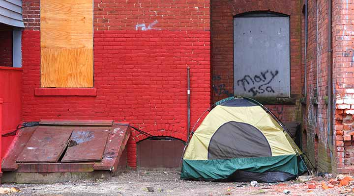 Tent of a person experiencing homelessness